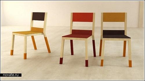 Разноцветные стулья из разных материалов
