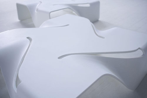 стол T-Vertigo от AquiliAlberg Studio