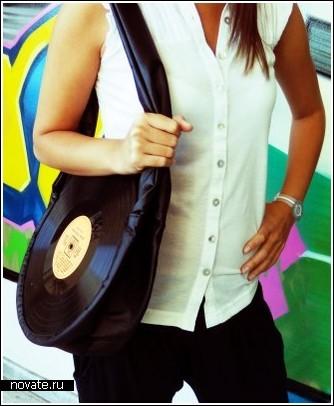 Ретро-сумки из виниловых пластинок.