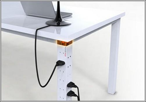 Стол со встроенной розеткой