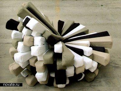 Взрывной стул из пирамидок