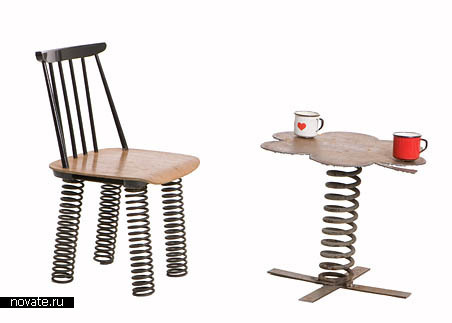 Стул и стол на пружинках