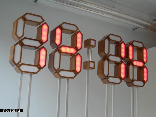 Часы, которые всегда показывают красивое время