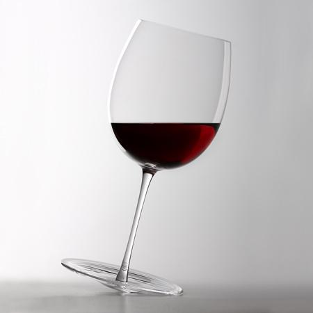 Качающийся бокал