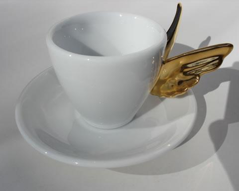 Посуда с крыльями в древнегреческом стиле