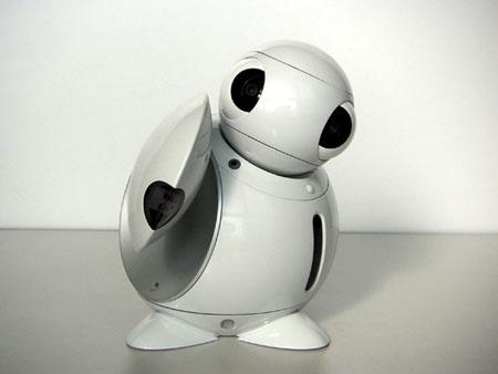 Маленький робот ApriPoko запоминает команды и дистанционно управляет устройствами