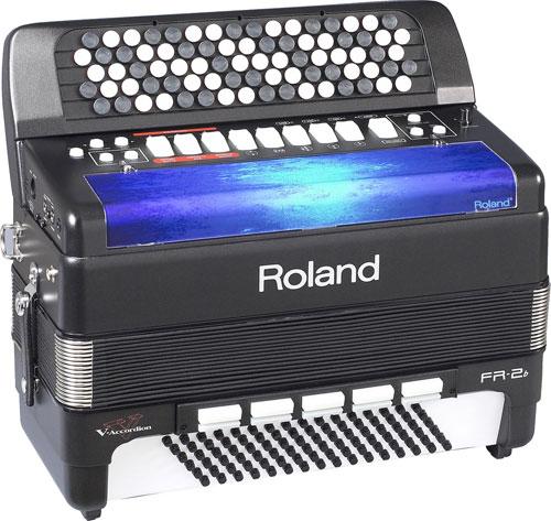 ...на самом деле это кнопочный аккордеон от фирмы Роланд, да не простой, а цифровой...