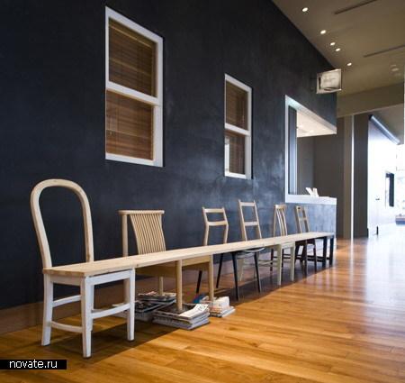 Скамейка из стульев