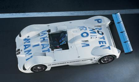 BMW V12 LMR от Jenny Holzer, 1999.
