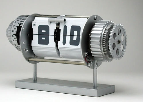 Bomba Alarm Clock от Will Vanden Vos