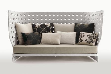 Мебель Canasta от Патрисии Урквайола(Patricia Urquiola) для отдыха под открытым воздухом