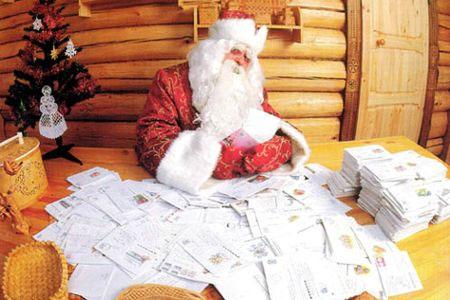 Дед Мороз за работой
