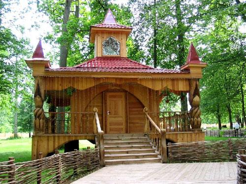 По...  Терем Снегурочки в Беловежской пуще.  О Деде Морозе пока все, хотя резиденций у него хватает, особенно в...