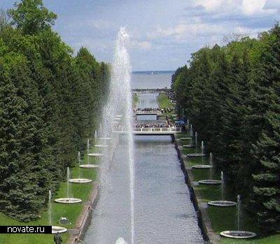 Фонтан, расположенный в Санкт-Петербурге