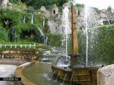 Фонтан, расположенный в Риме