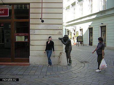 Папарацци в Братиславе снимает всех из-за угла