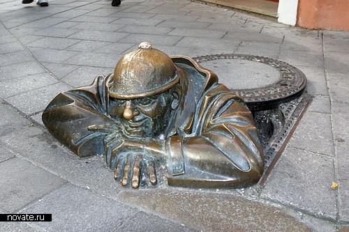 Памятник сантехнкиам в Братиславе
