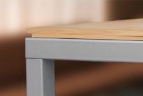 Бильярдный стол, за которым можно обедать