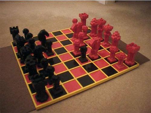 Вот шахматы из Лего – это точно удобно