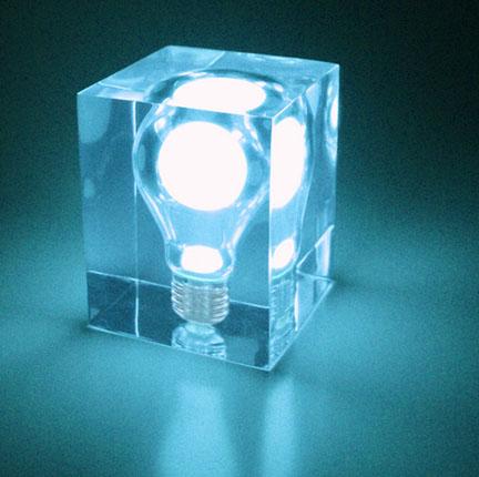 Лампа, собирающая дневной свет