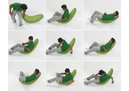 Гигантский зеленый лист служащий креслом-качалкой от студии LimeStudio