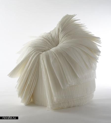 Стул из гофрированной бумаги
