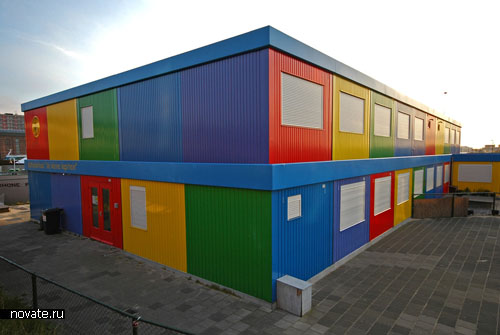 Перевозная школа из промышленных контейнеров
