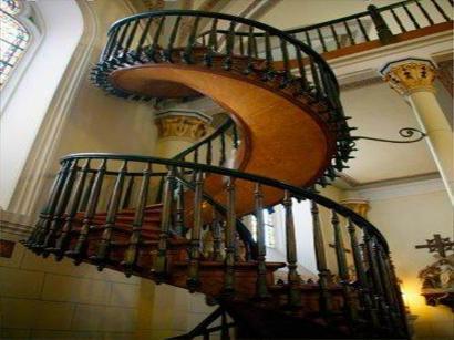 Невероятная спиральная лестница