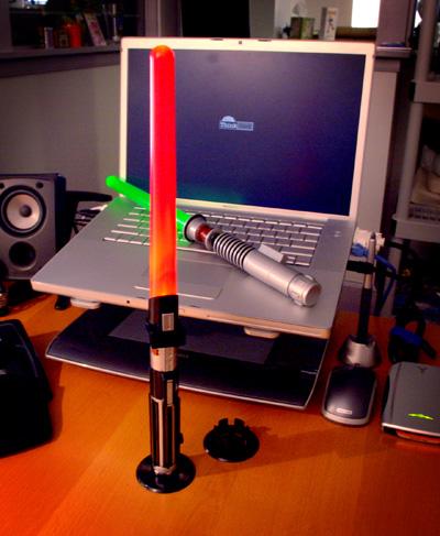 Настольная лампа со световым мечом из Звездных Войн