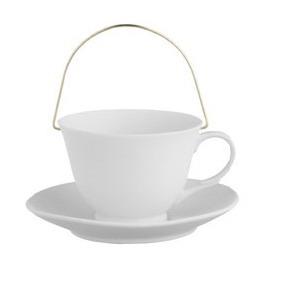 Подсвечник в виде чайной чашки