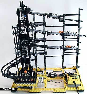 Шариковые часы на основе конструктора Лего