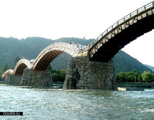 Невезучий мост Кинтайкио реконструировался бесчетное количество раз