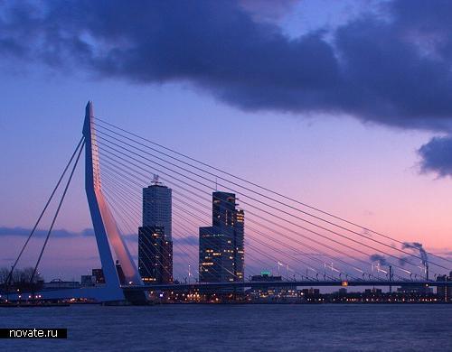 Эрасмусбруг - лебединый мост в Роттердаме