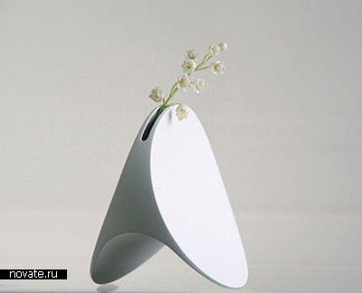 Восемь необычных ваз(на фотографии ваза LUNA)