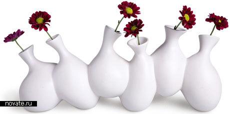 Шесть ваз слепленных между собой