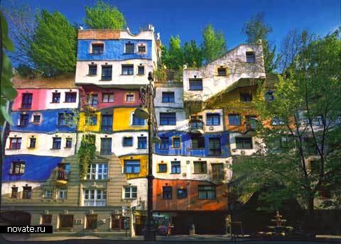 Дом Хундтервассера в Вене – мекка для туристов и испытание для тамошних жильцов