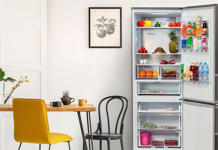 Холодильник HYUNDAI.