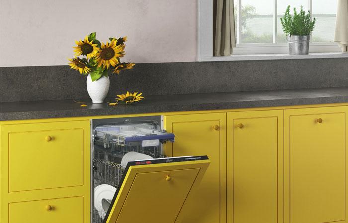 Если подоконник съедает нужное вам пространство кухни, его запросто можно убрать.