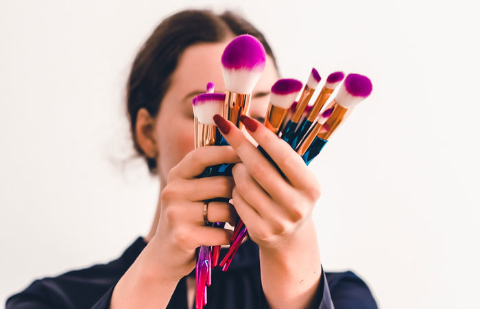 Подготовка кожи к нанесению декоративной косметики.