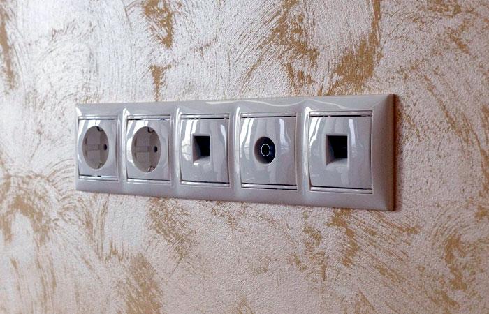 На электрике лучше не экономить. Фото — «Мастера ремонта»