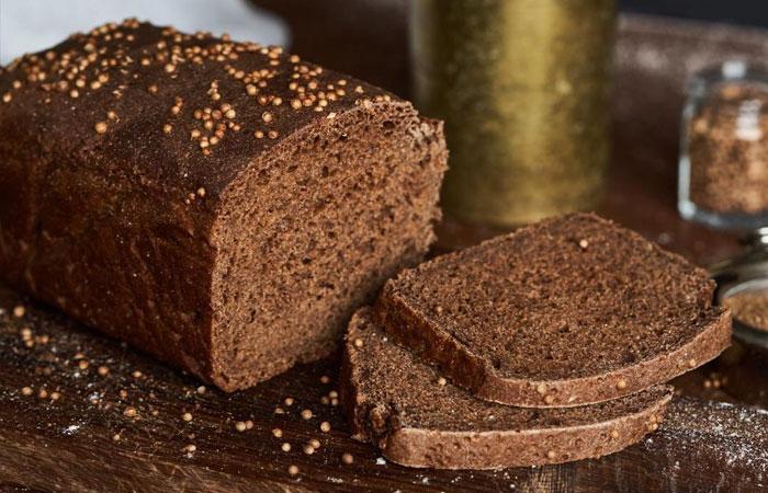 Храните хлеб в правильной хлебнице, он будет долгое время оставаться свежим и вкусным.