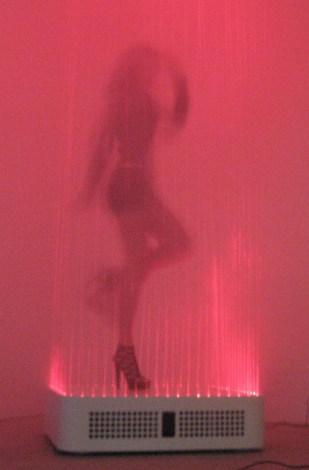 Танцы на столе. DiscoTable Морица Валдемейера