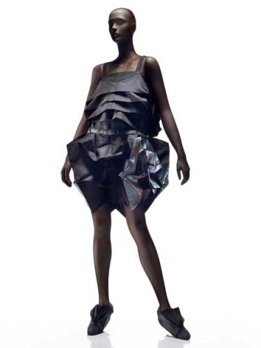Концепт дизайнерской одежды 132 5. от Issey Miyake