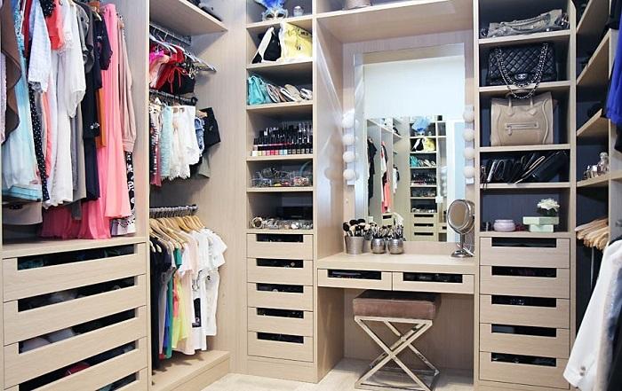 5 основных правил по обустройству гардеробной комнаты