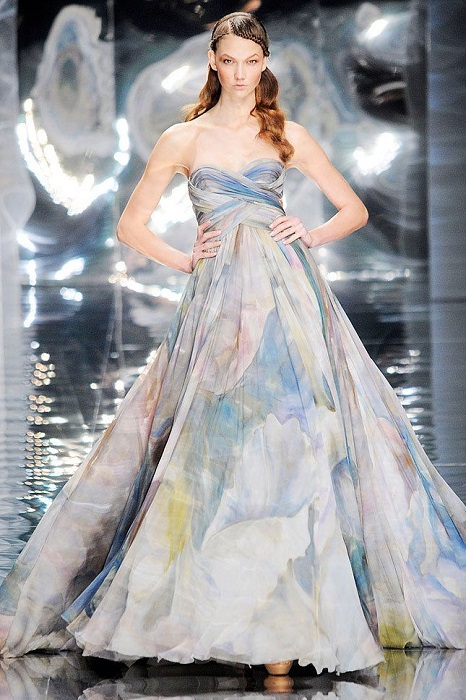 Платья Эли Сааб великолепны