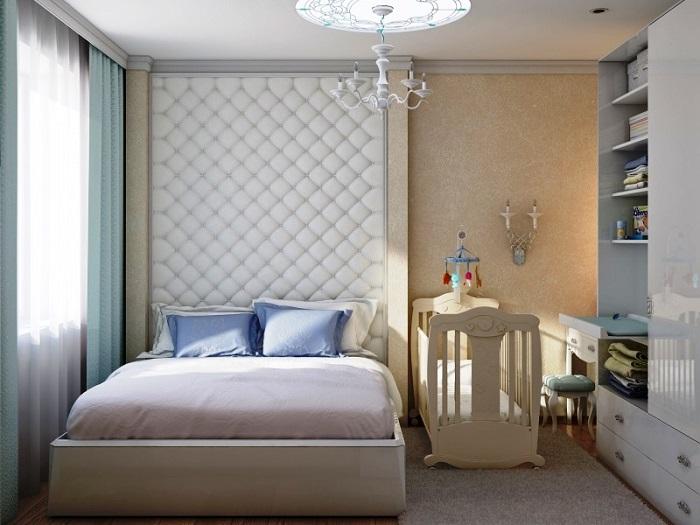 Спальня, в которой есть место для детской кроватки