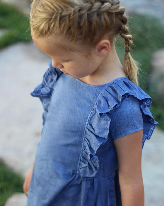 Дочки Стефани Миллер просто в восторге от нарядов, которые шьет их мама