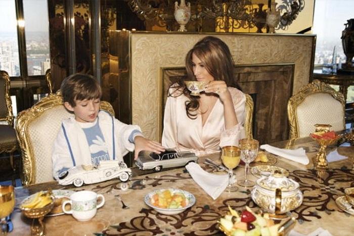 Семья Трампов за завтраком