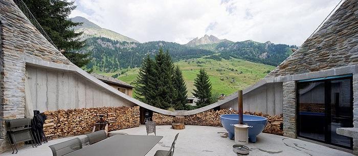 С террасы виллы открывается сказочный вид на альпийские горы