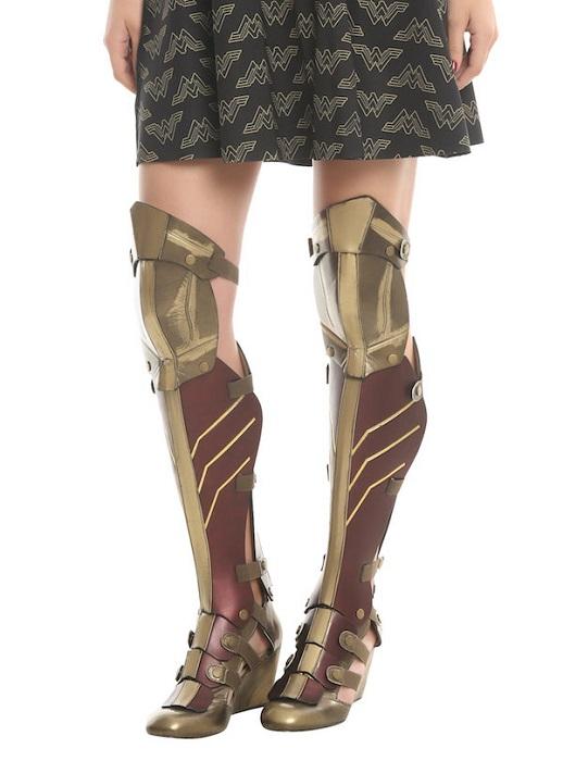 В Британии была создана универсальная пара обуви Wonder Woman Boot